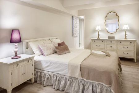 ホテルライクな落ち着く寝室